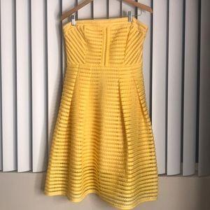 Yellow sleeveless skater dress 💛💛💛